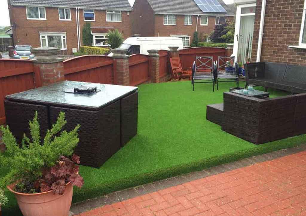 decking-area-artificial-lawn-houghton