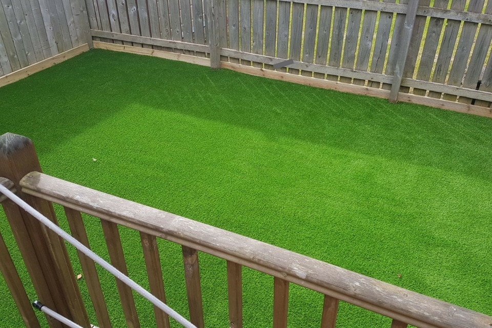 artificial-lawns-newcastle-sml