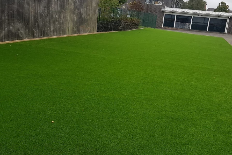 Synthetic-grass-george-stephenson