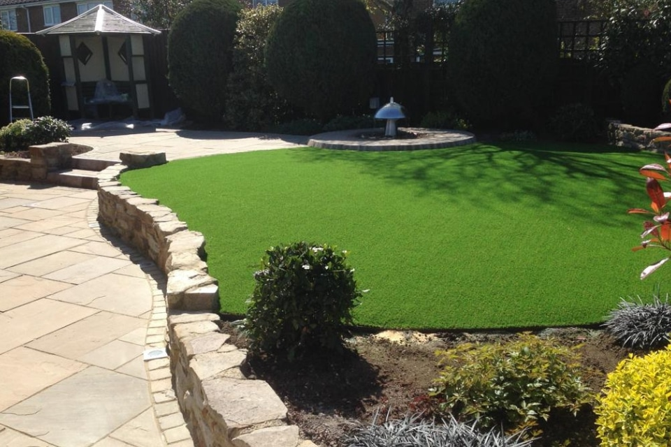 Wonderyarn-artificial-lawn-jesmond