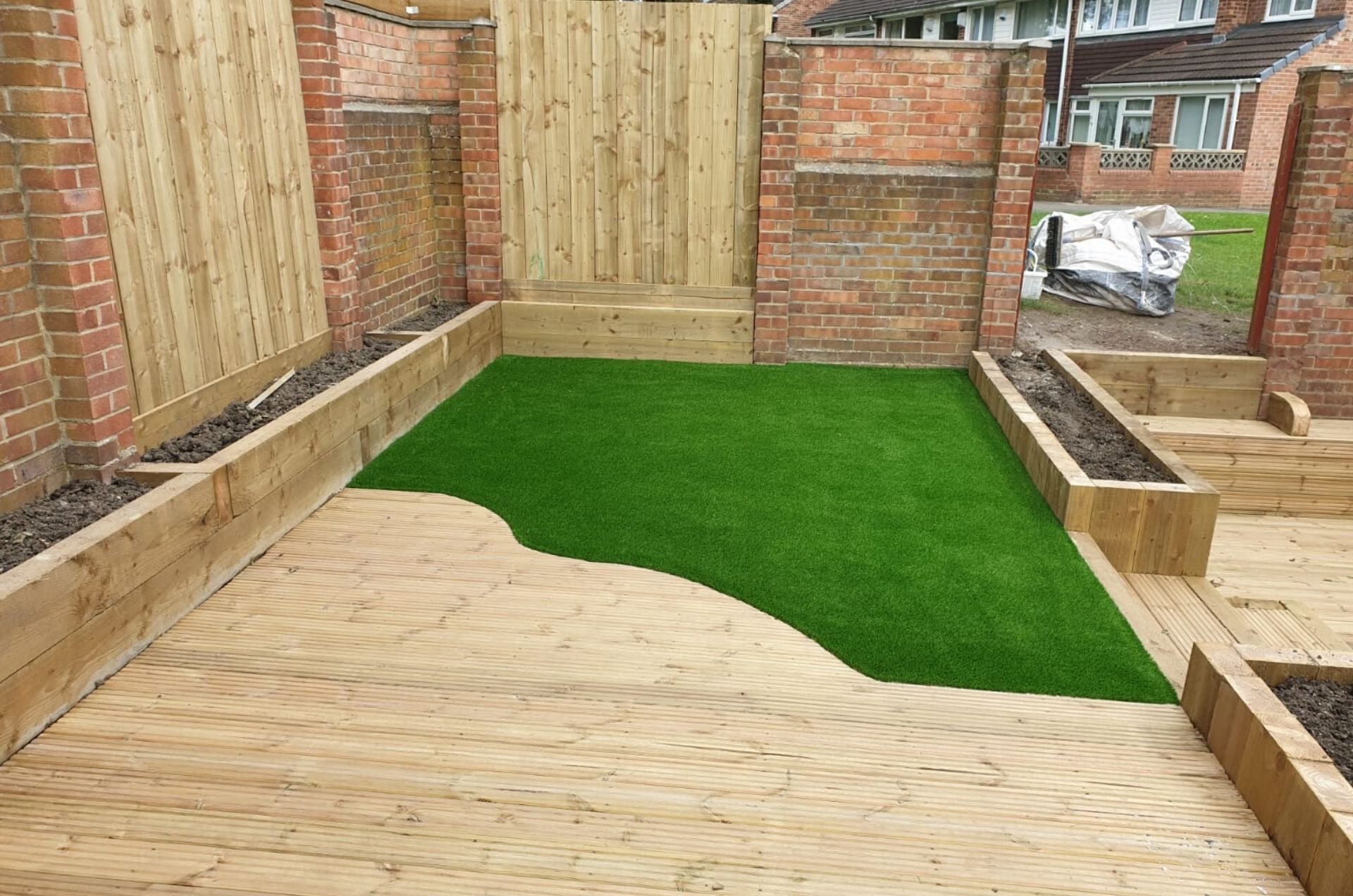 decking-wonderyarn-artificial-grass