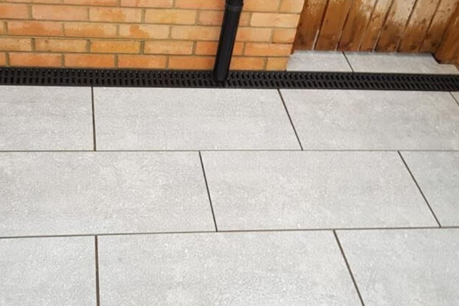 stone-paving-light-grey