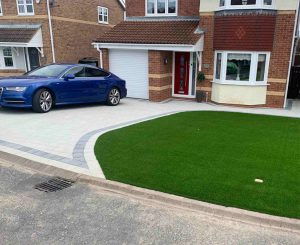 artificial-grass-sienna-paving